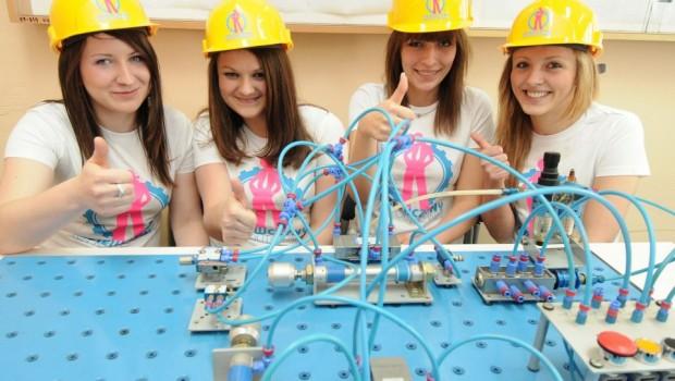 Dziewczyny na politechniki 2013_zdjecie_dziewczyny na politechniki