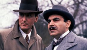 arthur-hastings-hercule-poirot-in-an-early-episodes-note-the-gapping-collar