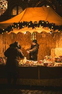 Toruński Jarmark Bożonarodzeniowy – stoisko z zabawkami
