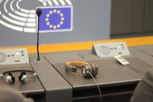 Stanowisko na jednej z sal obrad w Parlamencie Europejskim.fot. Julia Wityńska